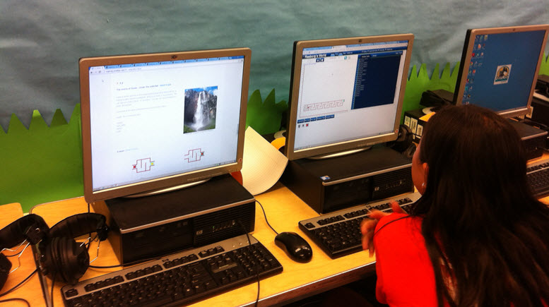 Students using Reeborg's World